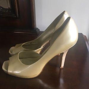 Light gold Jessica Simpson pumps/heels
